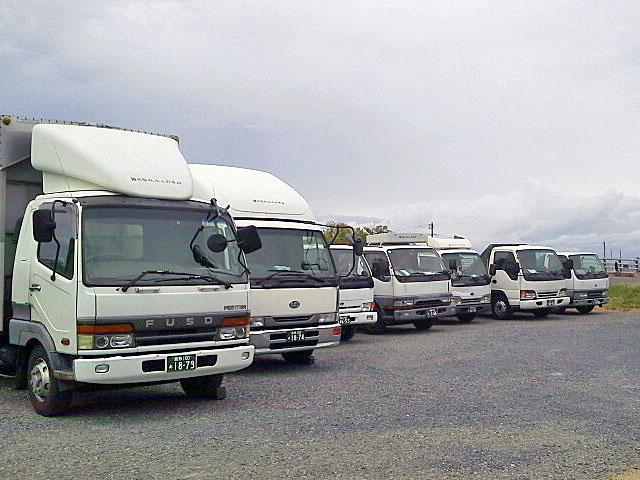 運輸事業部トラック